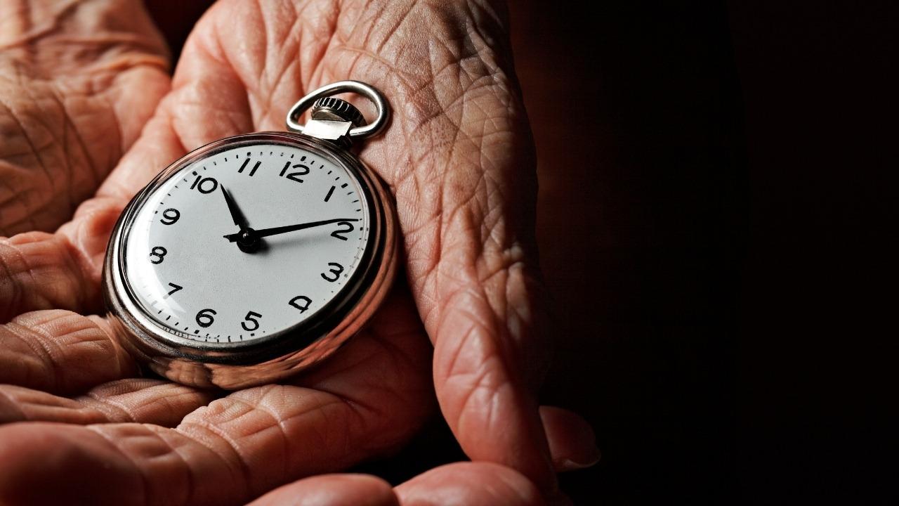 ¿Qué es el envejecimiento y cuáles son sus principales teorías?